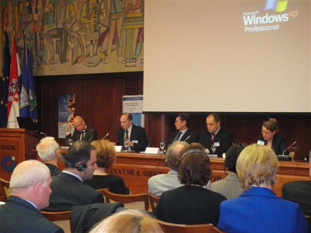 2009_okrugli_stol_pravna_pom_zg1